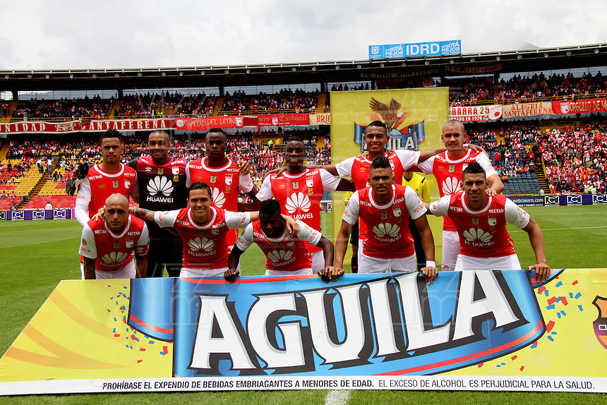 BOGOTÁ -COLOMBIA-17-ABRIL-2016. Formación de Independiente Santa Fe  contra Pasto partido por la fecha 13 de Liga Águila I 2016 jugado en el estadio Nemesio Camacho El Campin de Bogotá./ Team  of  Independiente Santa Fe against of Pasto during the match for the date 13 of the Aguila League I 2016 played at Nemesio Camacho El Campin stadium in Bogota. Photo: VizzorImage / Felipe Caicedo / Staff