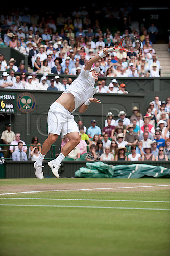 June 30th 2010: Wimbledon International Tennis Tournament held at the All England Lawn Tennis Club, London, England, Tomas Berdych of CZE playing Roger Federer of SUI in the mens singles quarter finals