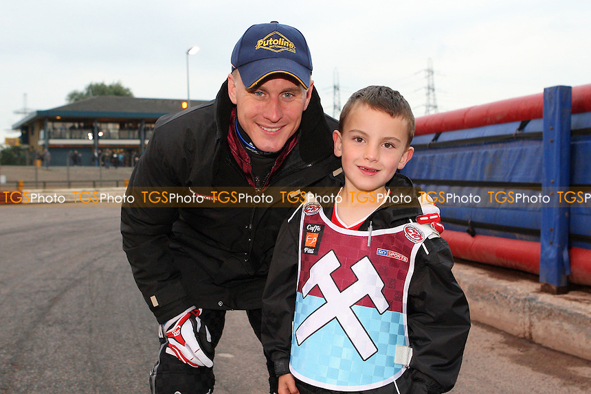 Lee Richardson with the Hammers Mascot - Lakeside Hammers vs Poole Pirates, Elite League Speedway at the Arena Essex Raceway, Purfleet - 05/06/09 - MANDATORY CREDIT: Rob Newell/TGSPHOTO - Self billing applies where appropriate - 0845 094 6026 - contact@tgsphoto.co.uk - NO UNPAID USE.
