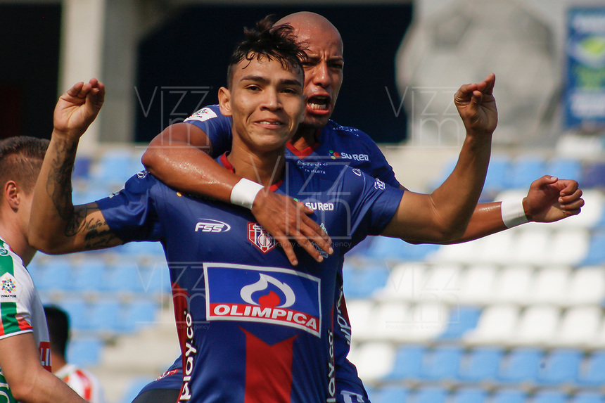 SANTA MARTA - COLOMBIA, 05-04-2019: Ricardo Marquez del Unión celebra después de anotar el primer gol de su equipo al Patriotas durante partido por la fecha 14 entre Unión Magdalena y Patriotas Boyacá como parte de la Liga Águila I 2019 jugado en el estadio Sierra Nevada de la ciudad de Santa Marta. / Ricardo Marquez of Union celebrates after scoring the first goal of his team to Patriotas during match for the date 14 between Union Magdalena and Patriotas Boyaca as a part Aguila League I 2019 played at Sierra Nevada stadium in Santa Marta city. Photo: VizzorImage / Gustavo Pacheco / Cont