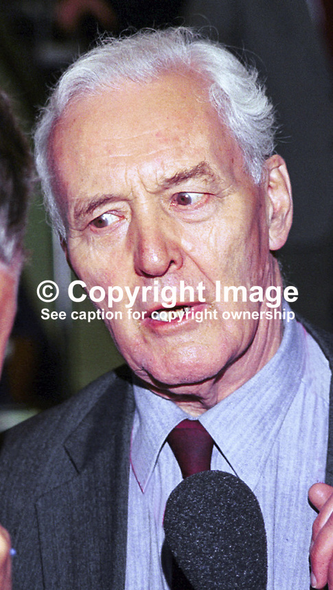 Tony Benn, aka Anthony Wedgwood Benn, former MP, one-time minister. Taken at Labour Party Conference, Brighton, UK. Ref: 199909128.<br />