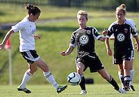 Joanna Lohman (17),Emily Dale (4)