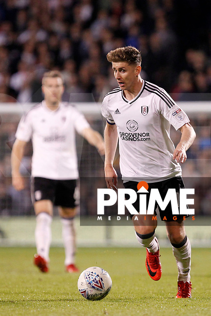 Tom Cairney of Fulham on the ball during the Sky Bet Championship play off semi final 2nd leg match between Fulham and Derby County at Craven Cottage, London, England on 15 May 2018. Photo by Carlton Myrie / PRiME Media Images.