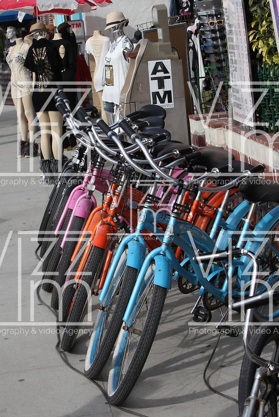 sistema de transporte para sus paseos por los los atractivos turisticos de esta ciudad del condado de Los Angeles.  Photo: VizzorImage