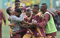 BOGOTÁ -COLOMBIA, 23-08-2015. Jugadores del Deportes Tolima celebran un gol anotado a Patriotas FC durante partido por la fecha 8 de la Liga Águila II 2015 jugado en el estadio Metropolitano de Techo en Bogotá./ Players of Deportes Tolima celebrate a goal scored to Patriotas FC during match for the 8th date of the Aguila League II 2015 played at Metropolitano de Techo stadium in Bogota city. Photo: VizzorImage/ Gabriel Aponte / Staff