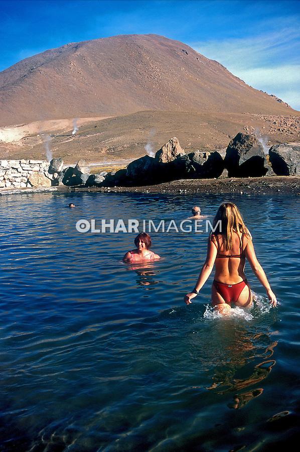 Águas termais no Deserto do Atacama. Chile. 1998. Foto de Vinícius Romanini.