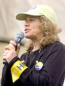 """Actress Carole King speaks at the """"March for Women's Lives"""" in Washington, DC on April 25, 2004..Credit: Ron Sachs / CNP"""