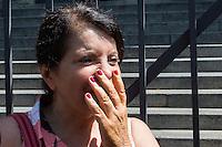 SÃO PAULO,SP, 06.10.2015 - PROTESTO-SP - A presidente da APEOESP, Maria Izabel Azevedo Noronha, conhecida como Bebel discute com estudantes da rede estadual de ensino saíram da concentração em frente a sede da Secretaria Estadual de Educação, na Praça da República, centro de São Paulo, em protesto contra a reestruturação do sistema de ensino e o fechamento de escolas anunciado pelo governo do estado para 2016. (Foto: Fernando Nascimento/Brazil Photo Press)