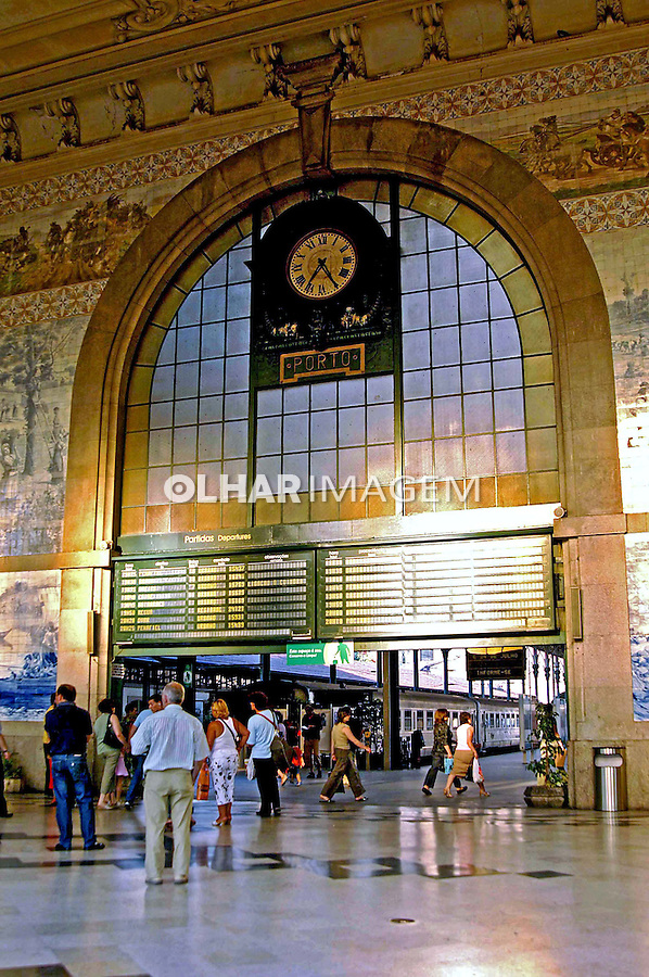Estação de trem da cidade do Porto. Portugal. 2005. Foto de Rogério Reis.