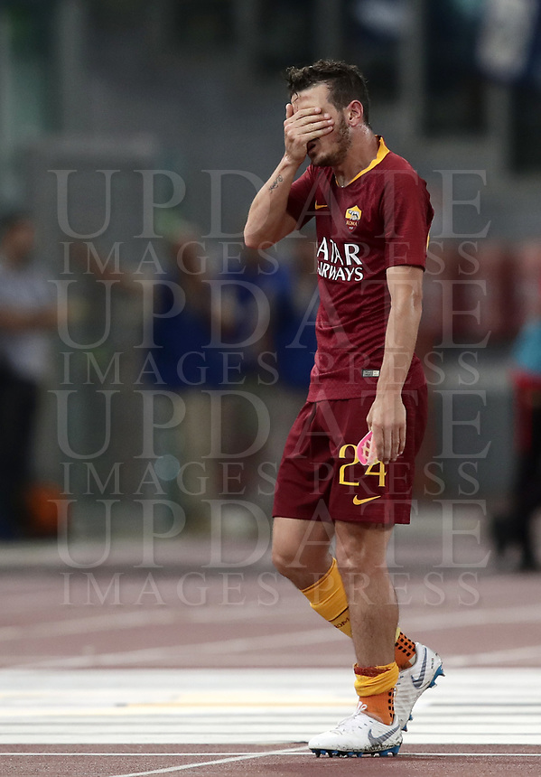 Calcio, Serie A: Roma - Atalanta, Stadio Olimpico, 27 agosto, 2018.<br /> Roma's Alessandro Florenzi reacts after sustaining an injury during the Italian Serie A football match between Roma and Atalanta at Roma's Stadio Olimpico, August 27, 2018.<br /> UPDATE IMAGES PRESS/Isabella Bonotto