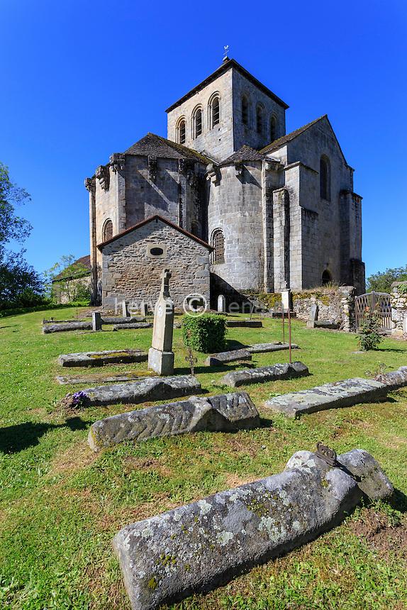 France, Haute-Vienne (87), le Chalard, église de l'Assomption et cimetière des moines // France, Haute Vienne, le Chalard, Assomption church and the monks' cemetery