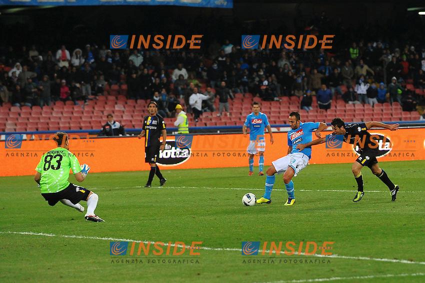 """Il gol del Pareggio di Giuseppe MASCARA NApoli.Goal celebration.Napoli 15/10/2011 Stadio """"San Paolo"""".Football Calcio Serie A 2011/2012 .Napoli Vs Parma.Foto Insidefoto Andrea Staccioli"""