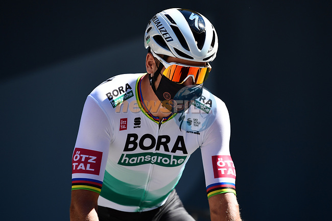Peter Sagan (SVK) Bora-Hansgrohe at sign on before the start of Stage 7 of Tour de France 2020, running 168km from Millau to Lavaur, France. 4th September 2020.<br /> Picture: ASO/Alex Broadway | Cyclefile<br /> All photos usage must carry mandatory copyright credit (© Cyclefile | ASO/Alex Broadway)