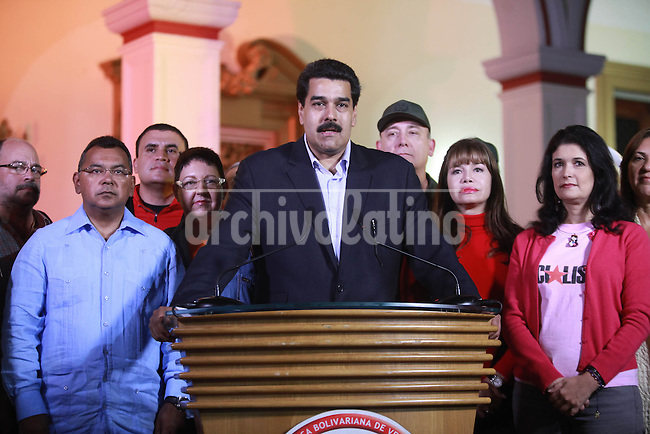 Venezuela: Caracas,11/12/12 . Vice President of Venezuela, Nicolás Maduro, in his role as acting president, accompanied by several Cabinet ministers, speaking on national television, from the Miraflores Palace in Caracas, about the surgery against the remanence of cancer of the President Hugo Chavez, as well as various economic issues.Carlos Hernandez/Archivolatino
