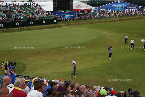 Rory McIlroy (NIR), JULY 20, 2014 - Golf : Rory McIlroy of Northern Ireland watches his shot on the 4th hole during the final round of the 143rd British Open Championship at Royal Liverpool Golf Club in Hoylake, England. (Photo by Koji Aoki/AFLO SPORT) [0008]