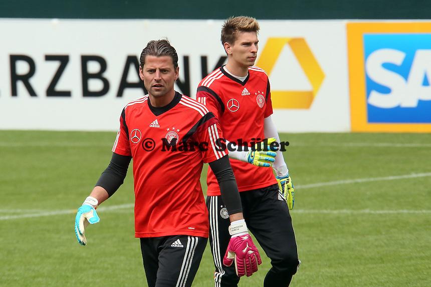 Roman Weidenfeller und Ron-Robert Zieler beim Aufwärmtraining - Training der Deutschen Nationalmannschaft im Rahmen der WM-Vorbereitung in St. Martin