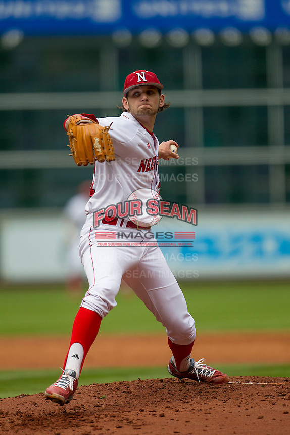 Nebraska Cornhuskers pitcher Kyle Kubat (31) delivers a pitch to the plate during the NCAA baseball game against the Hawaii Rainbow Warriors on March 7, 2015 at the Houston College Classic held at Minute Maid Park in Houston, Texas. Nebraska defeated Hawaii 4-3. (Andrew Woolley/Four Seam Images)