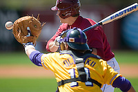 South Carolina shortstop Reese Havens (6) takes a pitch high and outside versus LSU at Sarge Frye Stadium in Columbia, SC, Thursday, March 18, 2007.