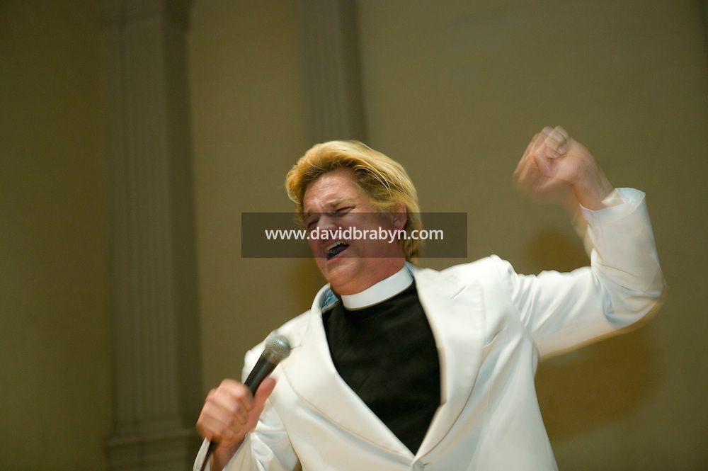 Comedian Bill Talen, aka Reverend Billy of The Church of Stop Shopping, preaches at a church in New York USA Oct 22nd 2006.<br />