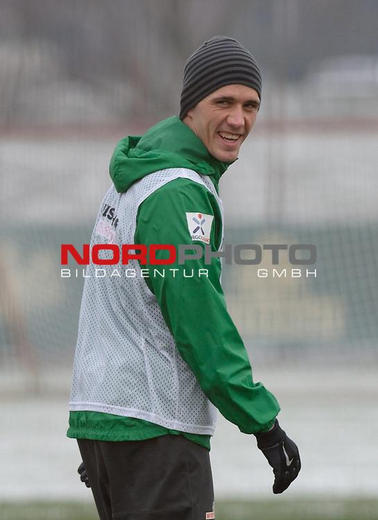 25.01.2014, Trainingsgelaende, Bremen, GER, 1.FBL, Training Werder Bremen, im Bild Nils Petersen (Bremen #24)<br /> <br /> Foto &copy; nordphoto / Frisch