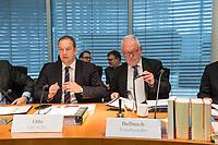 5. Sitzung des Unterausschusses des Verteidigungsausschusses des Deutschen Bundestag als 1. Untersuchungsausschuss am Donnerstag den 21. Maerz 2019.<br /> In dem Untersuchungsausschuss soll auf Antrag der Fraktionen von FDP, Linkspartei und Buendnis 90/Die Gruenen der Umgang mit externer Beratung und Unterstuetzung im Geschaeftsbereich des Bundesministeriums fuer Verteidigung aufgeklaert werden. Anlass der Untersuchung sind Berichte des Bundesrechnungshofs ueber Rechts- und Regelverstoesse im Zusammenhang mit der Nutzung derartiger Leistungen.<br /> Einziger Tagesordnungspunkt war die Konstituierung des Unterausschusses als Untersuchungsausschuss.<br /> Im Bild vlnr.: Henning Otte, Obmann der Christlich Demokratischen Union, CDU und Wolfgang Hellmich, Ausschussvorsitzender, SPD.<br /> 21.3.2019, Berlin<br /> Copyright: Christian-Ditsch.de<br /> [Inhaltsveraendernde Manipulation des Fotos nur nach ausdruecklicher Genehmigung des Fotografen. Vereinbarungen ueber Abtretung von Persoenlichkeitsrechten/Model Release der abgebildeten Person/Personen liegen nicht vor. NO MODEL RELEASE! Nur fuer Redaktionelle Zwecke. Don't publish without copyright Christian-Ditsch.de, Veroeffentlichung nur mit Fotografennennung, sowie gegen Honorar, MwSt. und Beleg. Konto: I N G - D i B a, IBAN DE58500105175400192269, BIC INGDDEFFXXX, Kontakt: post@christian-ditsch.de<br /> Bei der Bearbeitung der Dateiinformationen darf die Urheberkennzeichnung in den EXIF- und  IPTC-Daten nicht entfernt werden, diese sind in digitalen Medien nach §95c UrhG rechtlich geschuetzt. Der Urhebervermerk wird gemaess §13 UrhG verlangt.]