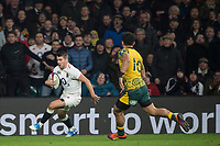 Twickenham, United Kingdom, Saturday, 24th  November 2018, RFU, Rugby, Stadium, England, Richaed WIGGLESWORTH, attacking from the wing, during the Quilter Autumn International, England vs Australia, © Peter Spurrier