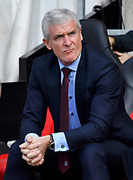 Southampton manager Mark Hughes<br /> <br /> Photographer David Horton/CameraSport<br /> <br /> The Premier League - Southampton v Chelsea - Saturday 14th April2018 - St Mary's Stadium - Southampton<br /> <br /> World Copyright &copy; 2018 CameraSport. All rights reserved. 43 Linden Ave. Countesthorpe. Leicester. England. LE8 5PG - Tel: +44 (0) 116 277 4147 - admin@camerasport.com - www.camerasport.com