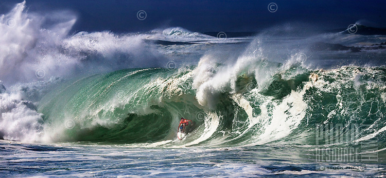 Andy Irons, 3x ASP World Surfing Champion, on his famous ride at the 2009 Quiksilver in Memory of Eddie Aikau Contest.