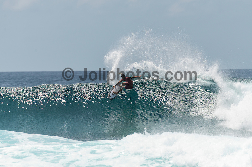Four Seasons,Kuda Huraa, Maldives (Friday, August 7, 2015) The worlds 'most luxurious surfing event,' the Four Seasons Maldives Surfing Champions Trophy continued today  at the famed 'Sultans Point' with the Thruster Round.The swell was out of the South East  with waves in the 4'-6' range.  Neco Padaratz (BRA) and Shane Dorian (HAW) fought out the tough final with Dorian scoring a perfect 10 point ride for a deep barrel and the win.  Photo: joliphotos.com
