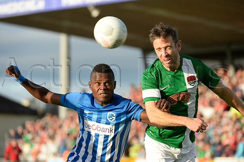 04.08.2016. Cork, Ireland. UEFA, Europa League football qualification round. Cork City versus Racing Genk.  Mbwana Ally Samatta forward of Krc Genk and Bennett of Cork contest the header