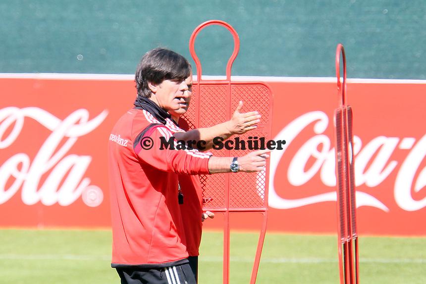 Bundestrainer Joachim Löw  - Abschlusstraining der Deutschen Nationalmannschaft gegen die U20 im Rahmen der WM-Vorbereitung in St. Martin