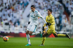 Raphael Varane (L) of Real Madrid competes for the ball with Pablo Fornals of Villarreal CF during the La Liga 2017-18 match between Real Madrid and Villarreal CF at Santiago Bernabeu Stadium on January 13 2018 in Madrid, Spain. Photo by Diego Gonzalez / Power Sport Images