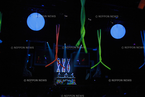Apr. 28, 2010 - Tokyo, Japan - Blue Man Group members perform a revised show at the 'Roppongi Blue Man Theatre' in Tokyo on April 28, 2010. The group's of performances kicks off on April 28, 2010 and runs until September 30, 2010. Performances will be held in the theatre which was specially built for this production. (photo Laurent Benchana/Nippon News)