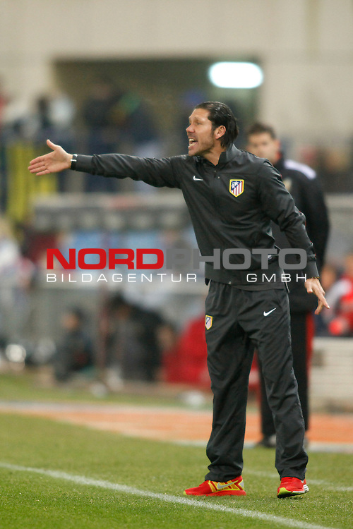 Atletico de Madrid¬¥s coach Diego `Cholo¬¥Simeone during Copa del Rey 2013-14 match at Vicente Calderon Stadium in Madrid, Spain. Foto © nordphoto / Victor Blanco) *** Local Caption ***