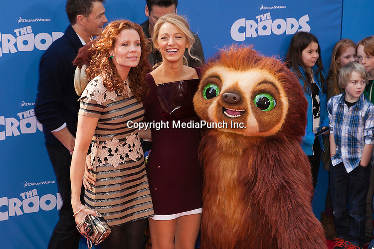 NEW YORK, NY - MARCH 10: Robyn Lively, Blake Lively at the premiere of The Croods at AMC Loews Lincoln Square on March 10, 2013 in New York City. Credit: Corredor99 / MediaPunch Inc.