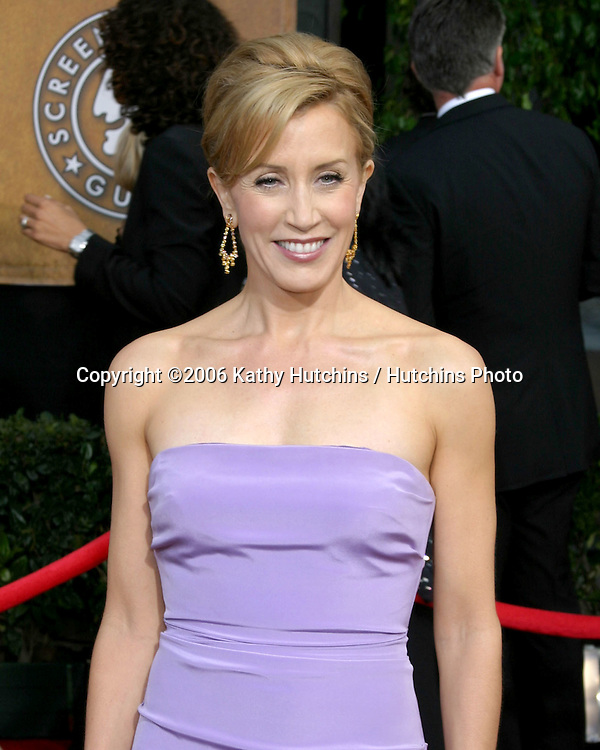 Felicity Huffman.12th Annual Screen Actors Guild  Awards.Shrine Auditorium.Los Angeles, CA.January 29, 2006.©2006 Kathy Hutchins / Hutchins Photo....