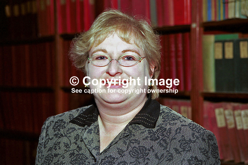 Sile de Valera, Fianna Fail TD and Minister for Arts, Heritage, Gaeltacht and the Islands, at Ard Fheis. Rep of Ireland. Ref: 199811072..Copyright Image from Victor Patterson, 54 Dorchester Park, Belfast, UK, BT9 6RJ..Tel: +44 28 9066 1296.Mob: +44 7802 353836.Voicemail +44 20 8816 7153.Skype: victorpattersonbelfast.Email: victorpatterson@mac.com.Email: victorpatterson@ireland.com (back-up)..IMPORTANT: If you wish to use this image or any other of my images please go to www.victorpatterson.com and click on the Terms & Conditions. Then contact me by email or phone with the reference number(s) of the image(s) concerned.