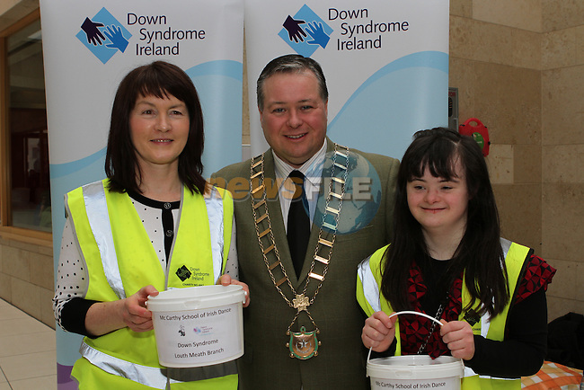 Mayor Paul Bell with Sheelagh and Niamh McNally as dancers from McCarthy School of Irish Dance perform a dance display in aid of Down Syndrome Ireland in the Laurence Centre...(Photo credit should read Jenny Matthews/NEWSFILE)...