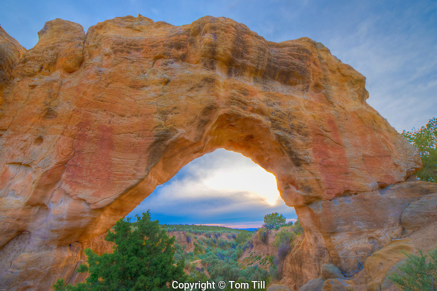 Arch Rock Arch at sunset, Near Farmington, New Mexico, Colorado Plateau, Animas River Valley