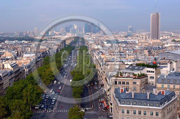PARIS - FRANCE 29. 9. 2006 -- Paris with the financal district la Defence in the horizon. -- PHOTO: GORM K. GAARE / EUP- IMAGES ...