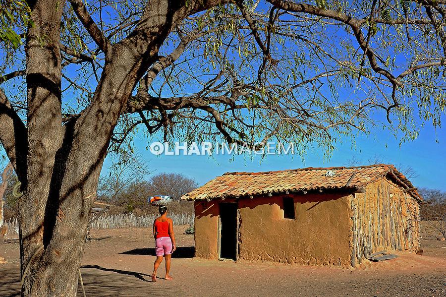 Casa em area rural, vilarejo de Pau Darco em Sento Se. Bahia. 2015. Foto de Joao Machado.