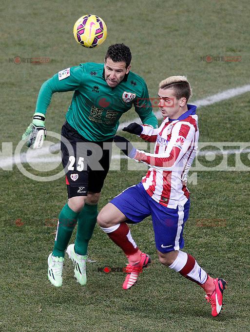 Atletico de Madrid's Antoine Griezmann (r) and Rayo Vallecano's Tono Rodriguez during La Liga match.January 24,2015. (ALTERPHOTOS/Acero) /NortePhoto<br /> NortePhoto.com