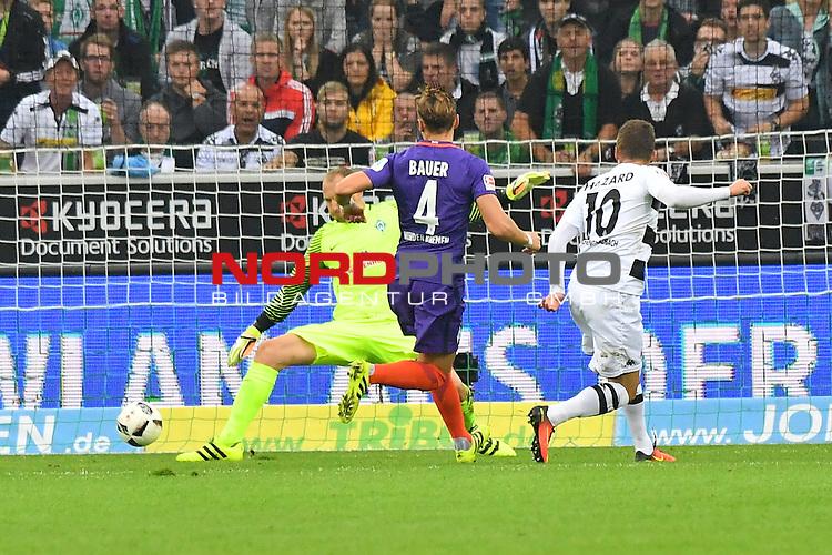 17.09.2016, Borussia-Park, Moenchengladbach, GER, 1.FBL., Borussia Moenchengladbach vs. SV Werder Bremen  <br /> <br /> im Bild / picture shows: <br /> Thorgan Hazard (Borussia Moenchengladbach #10) schie&szlig;t das 1:0 Robert Bauer  (Bremen #4) links kann nichts mehr machen Jaroslav Drobny Torwart (Bremen #33) machtlos <br /> <br /> <br /> <br /> Foto &copy; nordphoto / Meuter