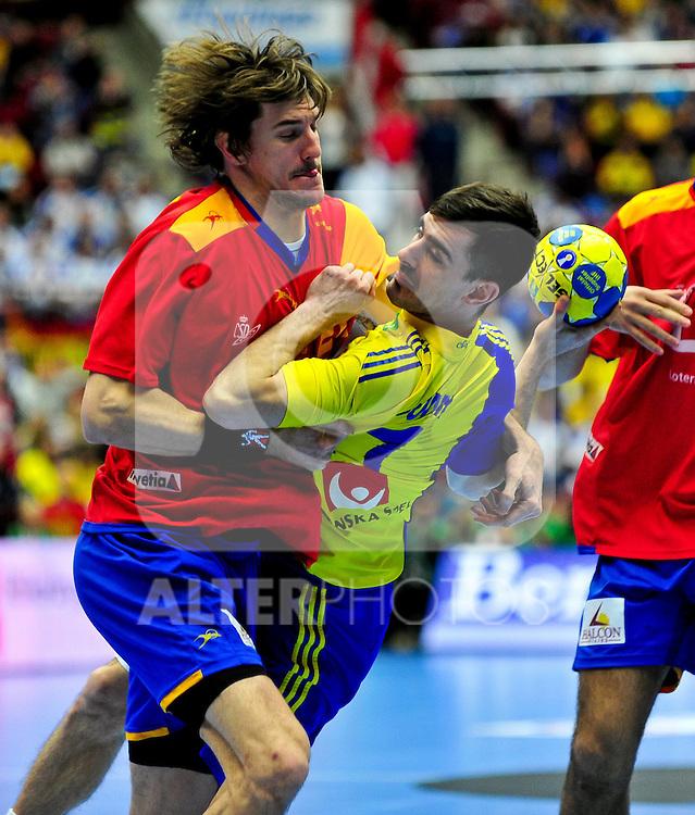 110130 Handboll, VM, Sverige - Spanien: Dalibor Doder, Sverige tas om hand.. Foto © nph / Bildbyrån   73206