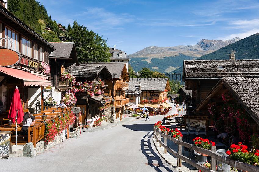 Switzerland, Canton Valais, Grimentz: resort at Val d'Anniviers   Schweiz, Kanton Wallis, Grimentz: Ferienort im Val d'Anniviers