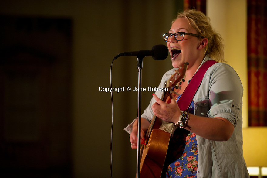 """Harrogate, UK. 20/07/2011. """"Sitting Room"""" comedy club at St George Hotel, Harrogate. Picture shows Carly Smallman. Photo credit: Jane Hobson"""