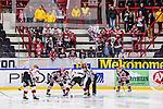 S&ouml;dert&auml;lje 2014-01-06 Ishockey Hockeyallsvenskan S&ouml;dert&auml;lje SK - Malm&ouml; Redhawks :  <br />  Malm&ouml; Redhawks supporter under matchen p&aring; bortasektion i Axa Sports Centers l&auml;ktare<br /> (Foto: Kenta J&ouml;nsson) Nyckelord:  supporter fans publik supporters