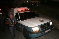 SANTO ANDRE,SP,16 FEVEREIRO 2012 - CASO ELOA - Saida do Linderberg apos   Fórum de Santo André, no Grande ABC, nesta quinta-feira (16). quarto dia de julgamento de Lindemberg Alves, de 25 anos, acusado da morte de sua filha, em outubro 2008. Lindemberg foi condenado nesta quinta-feira pela morte de Eloá. Os jurados reconheceram todos os crimes. O júri era formado por seis homens e uma mulher. A pena ainda não foi divulgada. Foto: MAURICIO CAMARGO - BRAZIL PHOTO PRESS.