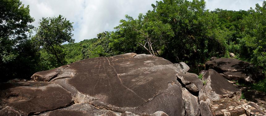 Petrograbados, Zona Arquelogica Palma Sola, Acapulco, Guerrero, Mexico