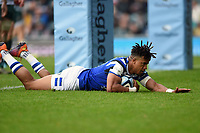Anthony Watson of Bath Rugby scores the opening try of the match. Gallagher Premiership match, between Leicester Tigers and Bath Rugby on May 18, 2019 at Welford Road in Leicester, England. Photo by: Patrick Khachfe / Onside Images